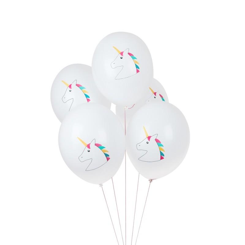 Witte ballonnen met eenhoorn